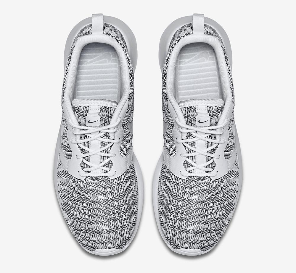 53670798b0d8 Nike Roshe Runs Bulk Up for Summer. A new women s jacquard release.