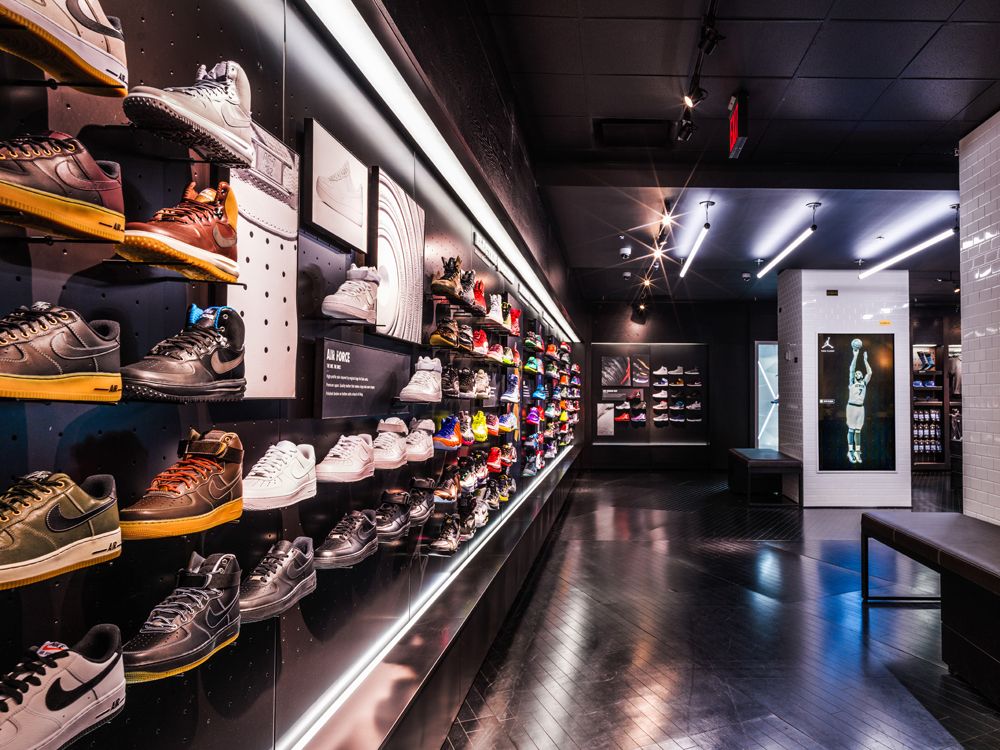 f299584ec This new House of Hoops by Foot Locker pop-up is located at 2 Penn Plaza  (W. 33rd Street and 7th Avenue) and will be open from 10 a.m. – 11 p.m.