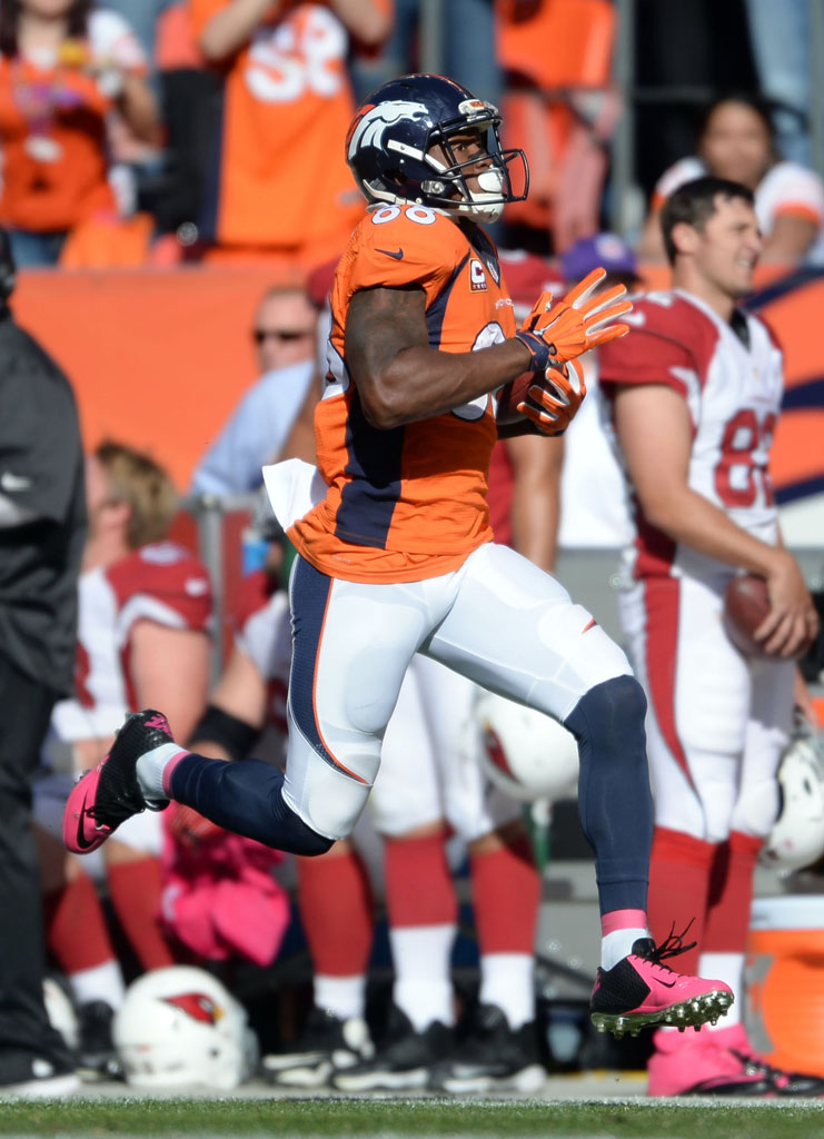 NFL Watch: Players Wear Pink Cleats for Breast Cancer ...
