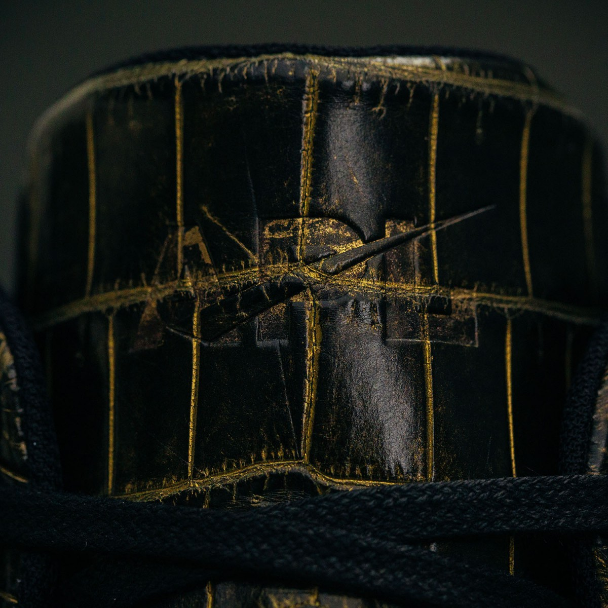 lusso-black-gold-7