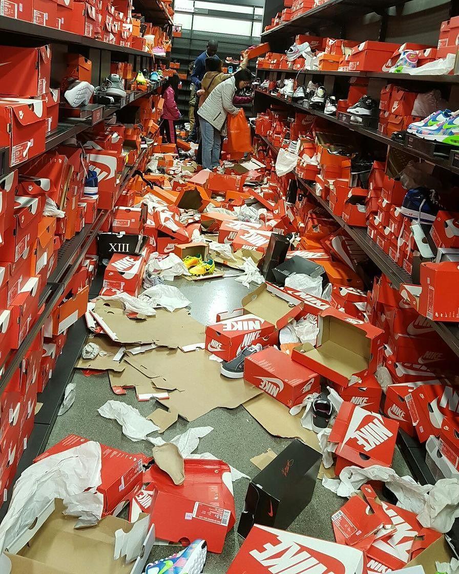 Nike Seattle Outlet Trashed for Black Friday