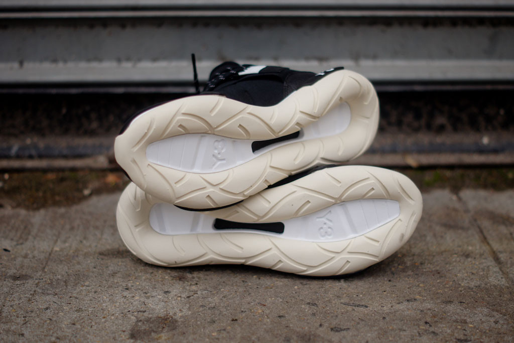 adidas y 3 qasa high black white sole collector. Black Bedroom Furniture Sets. Home Design Ideas