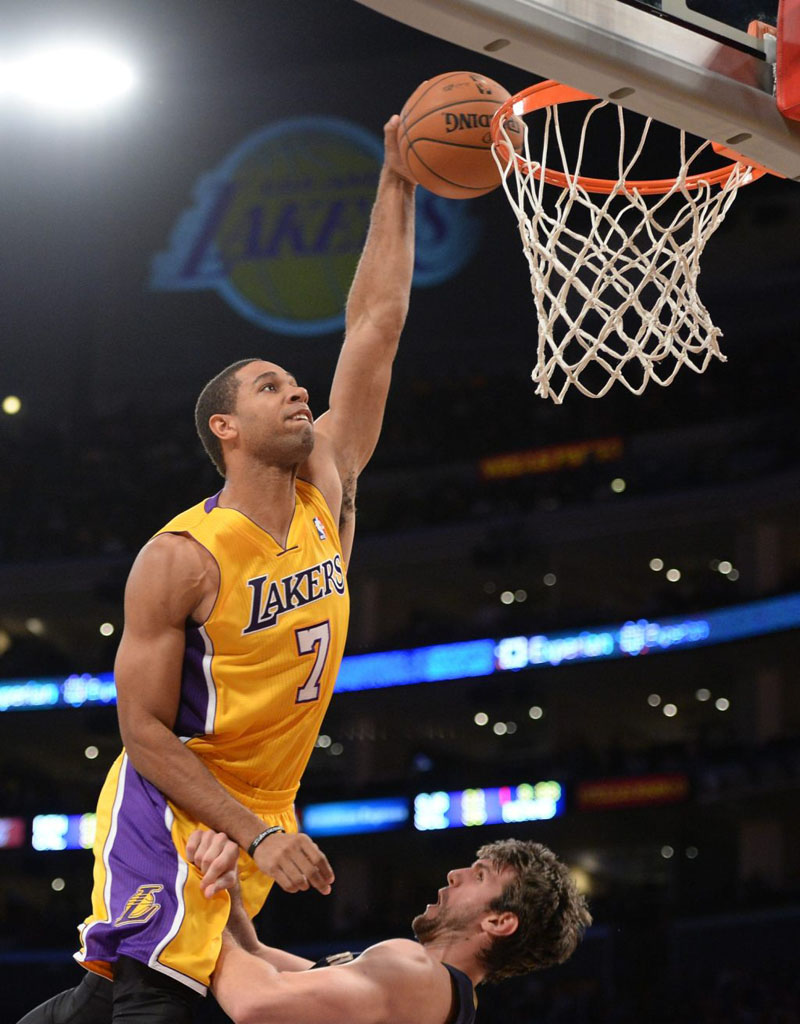 Xavier Henry Posterizes Jeff Withey in 'Purple Gradient' Nike Kobe 8 (1)