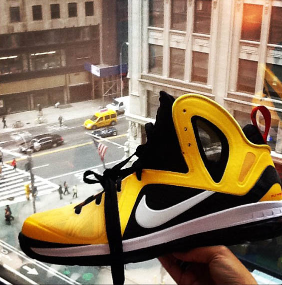 Nike LeBron 9 P.S. Elite Varsity Maize Black White 516958-700