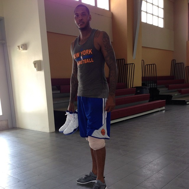 Carmelo Anthony wearing Jordan Flight Flex Trainer Cool Grey