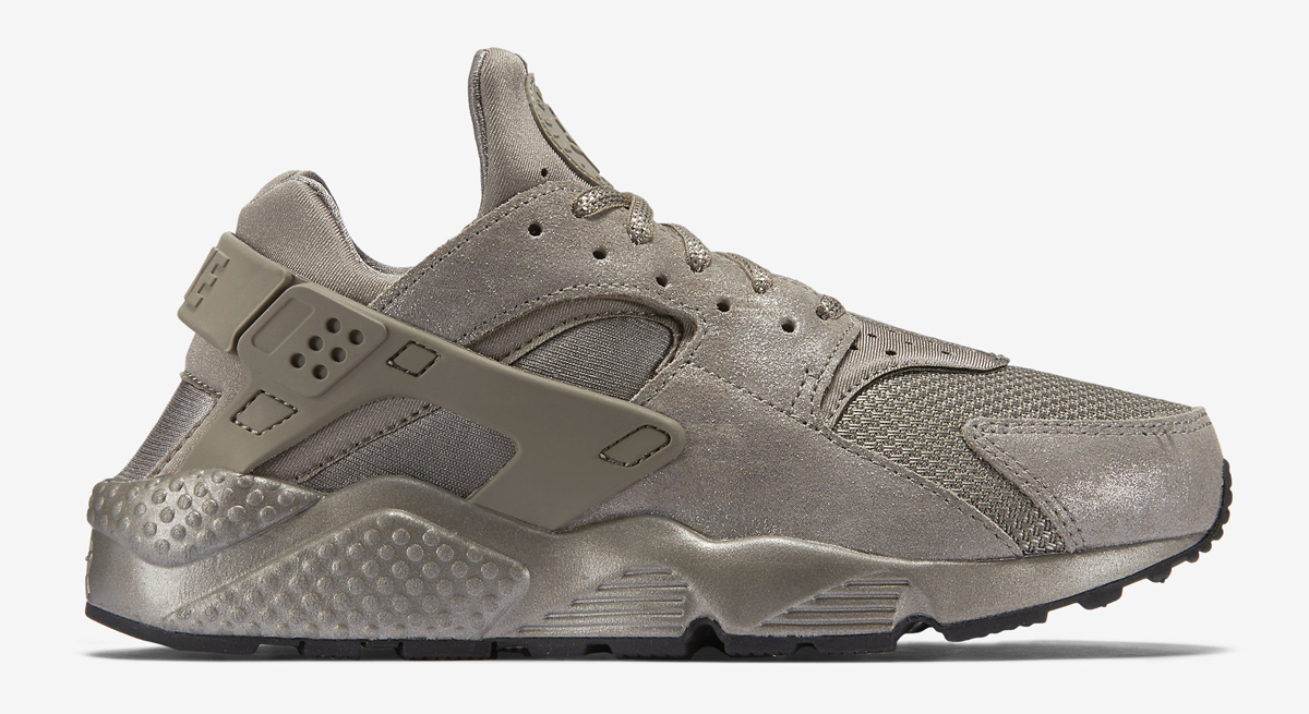 latest design authorized site to buy Nike Just Released More Metallic Huaraches | Sole Collector