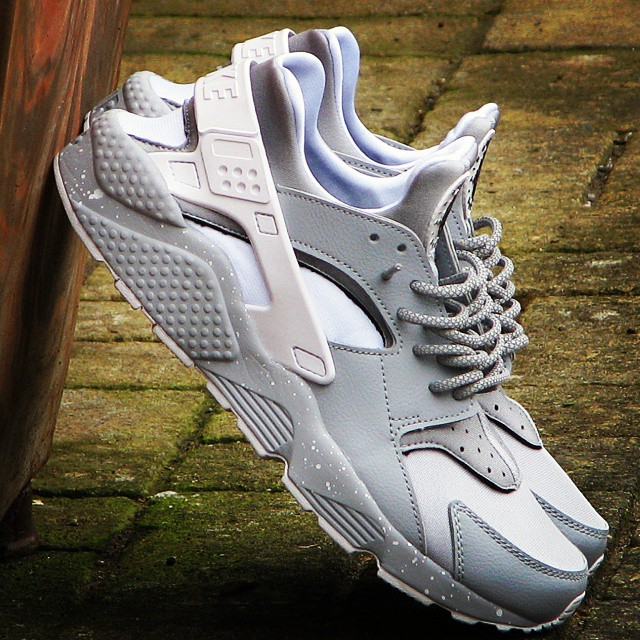 Best NIKEiD Air Huarache Run Designs on Instagram (1)
