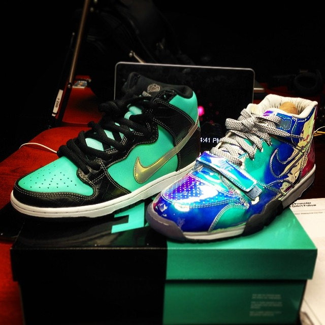 Big Tigger Picks Up Nike Dunk SB High Tiffany, Nike Air Trainer 1 Silver Speed