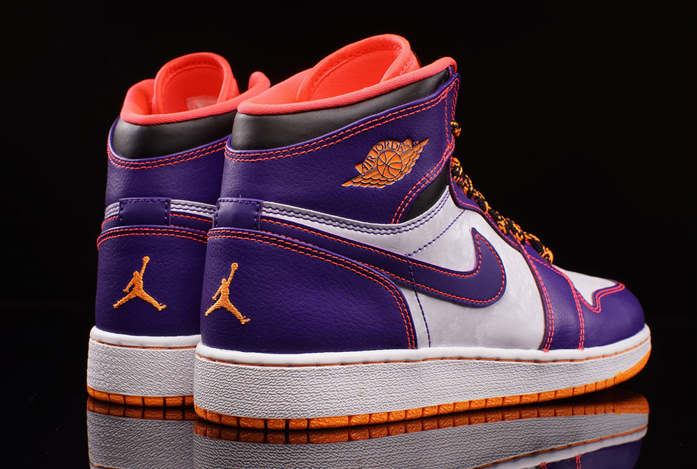 6739008dbe3f4d Air Jordan 1 Retro High GS Color  Court Purple Bright Crimson-White Style     705300-507. Price   95