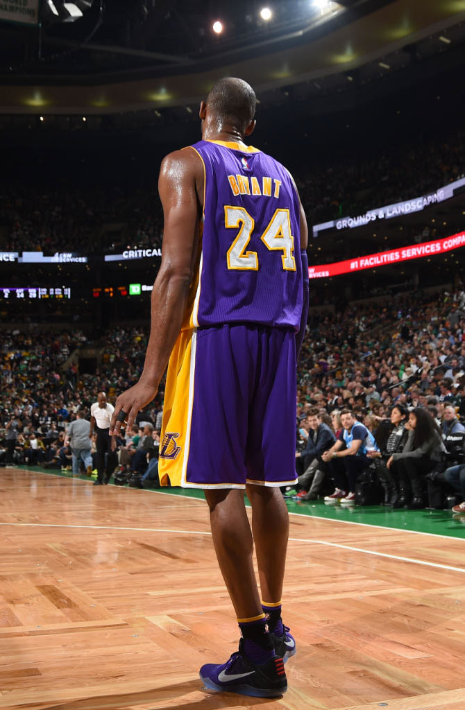 Kobe Bryant Debuts Nike Kobe 11 in Boston (6)