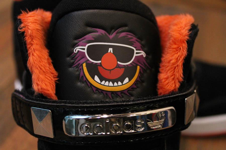 official photos 7b114 b6758 adidas Originals AR 2.0 Muppets Animal Disney G69996