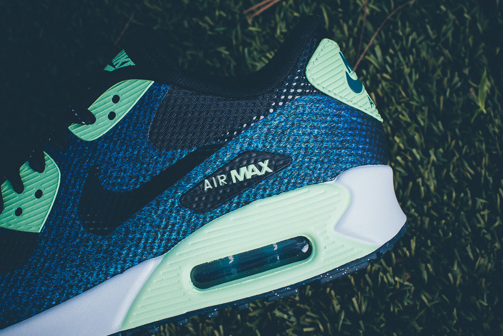 c7d68f478f5e Celebrate the Women s World Cup With These Nike Air Max 90s