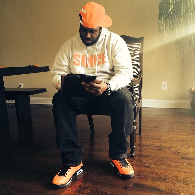 DJ Funk Flex wearing Air Jordan VI 6 Retro Infrared 23