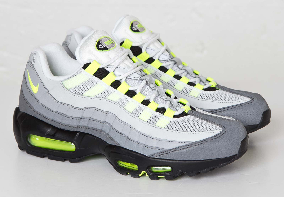 ... new zealand nikes fully reflective neon air max 95 just released 114c5  2b606 10b96e7d6