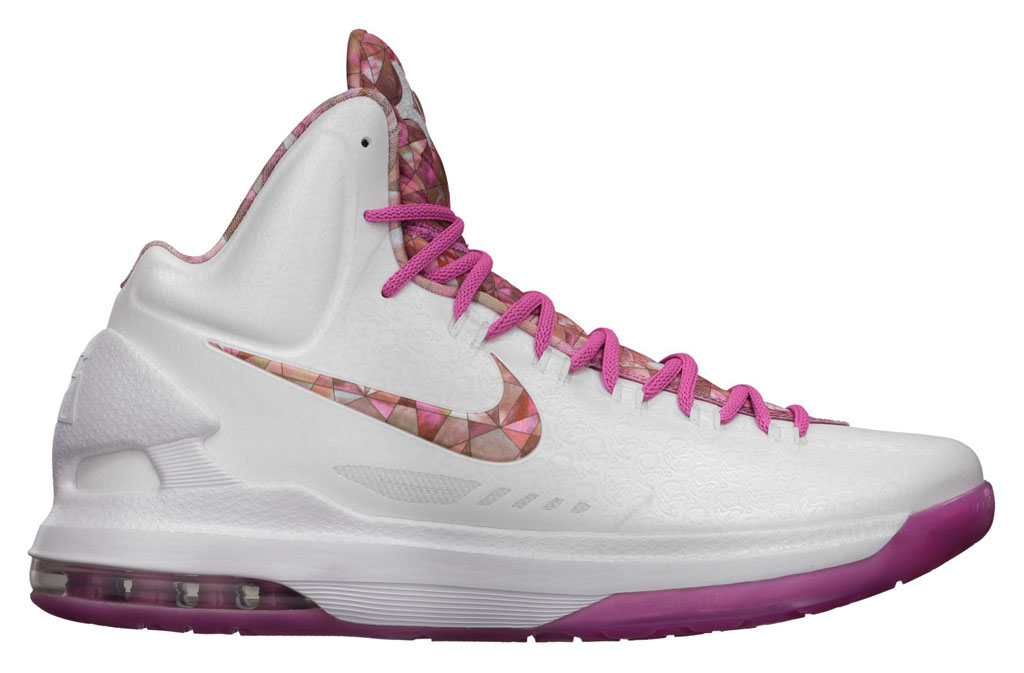 Who Is Aunt Pearl? (and Why Does She Have a Sneaker Every ...