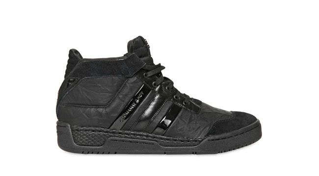 adidas Y-3 Courtside in Black. New from Y-3 s F W 2012 collection is an  all-back colorway of the Courtside. d7d4c60a7