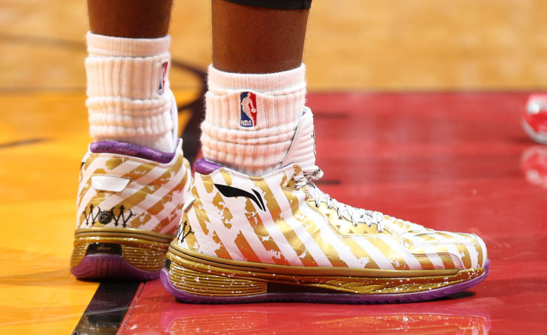 Li-Ning Way of Wade 2 Ring Night Championship Dynasty (6)