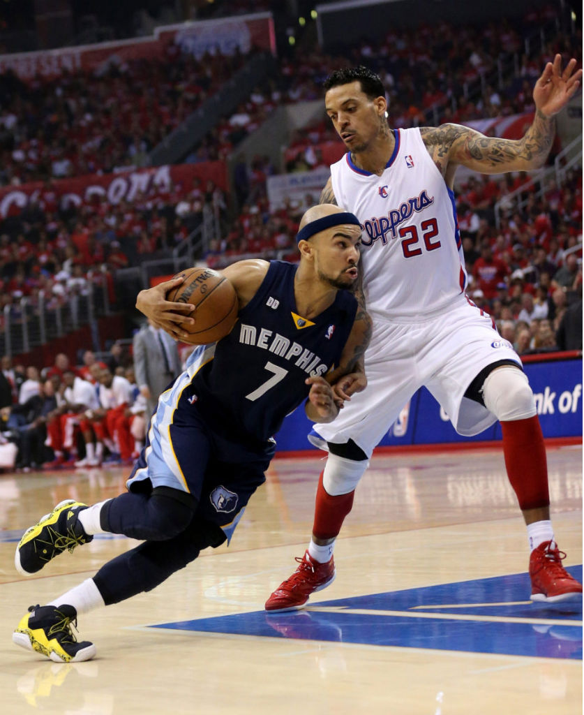 Jerryd Bayless wearing adidas Top Ten 2000 Rivalry Pack; Matt Barnes wearing adidas Rose 773