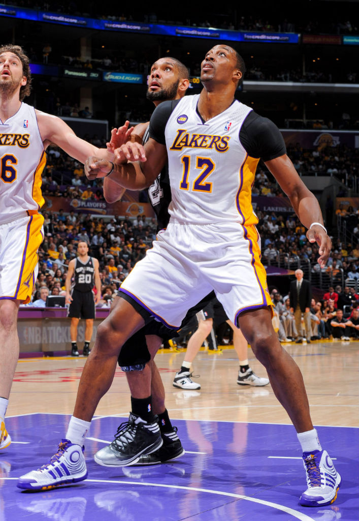 Dwight Howard wearing adidas D Howard 4 Lakers Home (1)