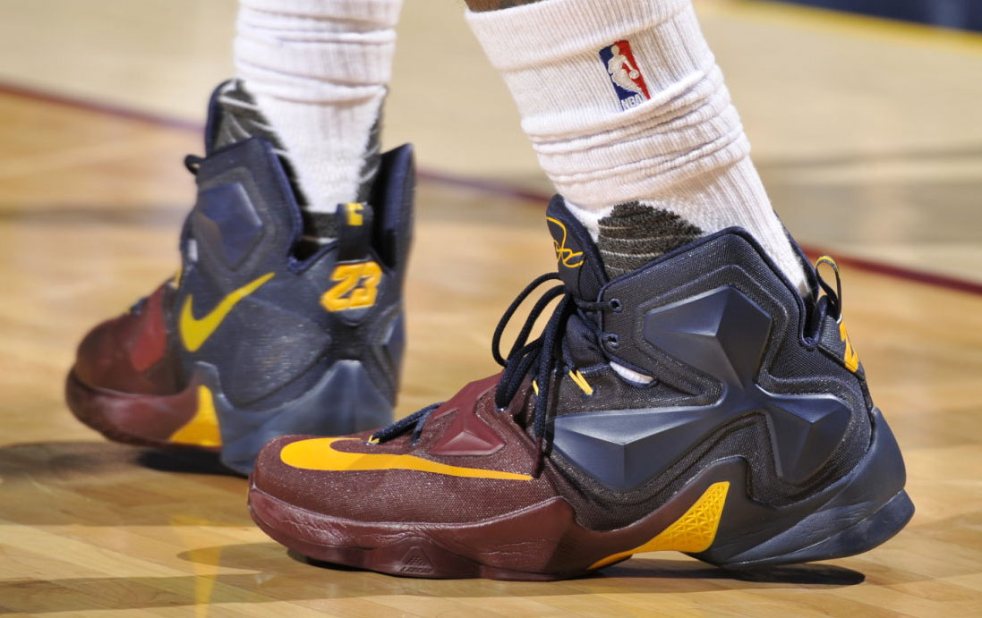 LeBron James Nike LeBron 13 Cavs Gradient PE (2)