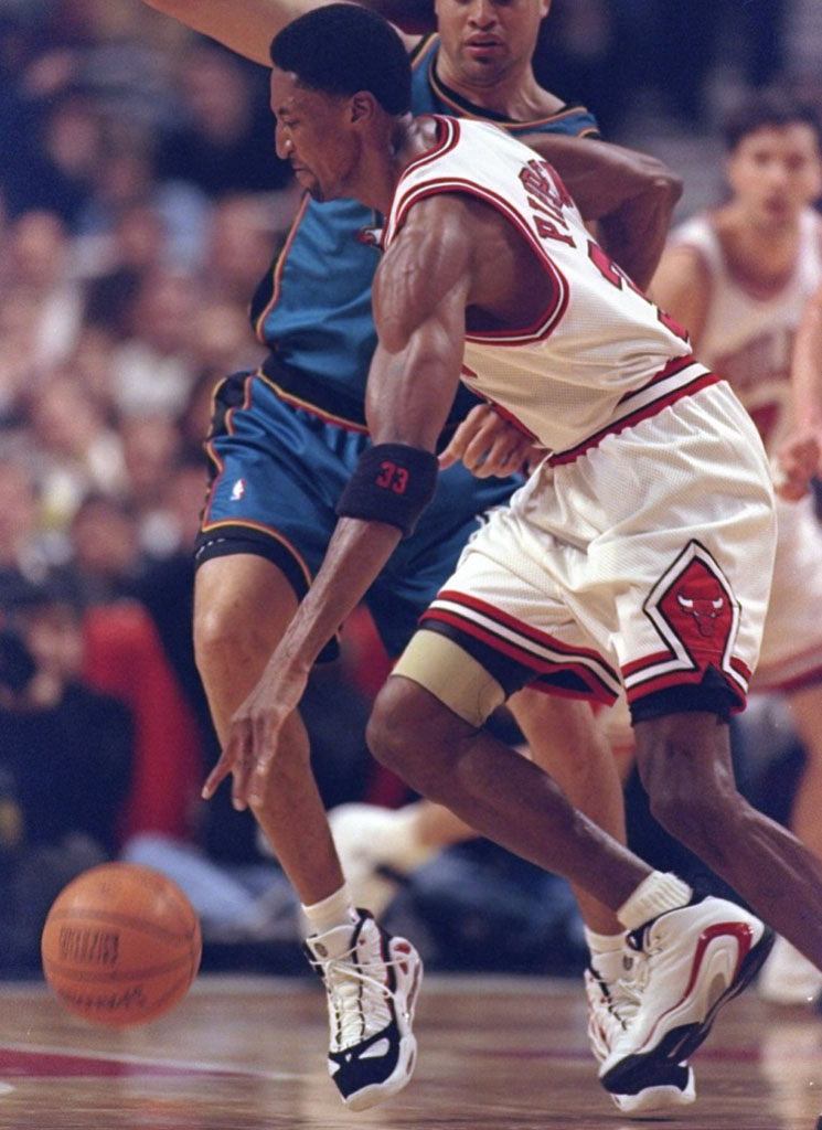 The 10 Best Chicago Bulls Sneakers That Aren't Air Jordans: Nike Air Pippen II (2)