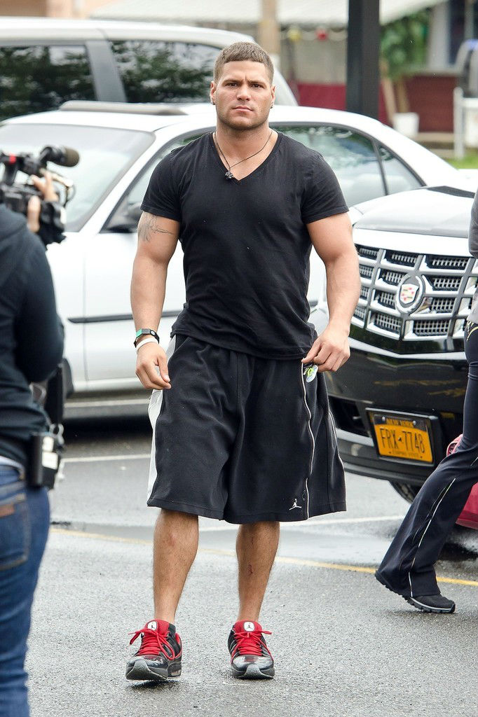 Ronnie Ortiz-Magro wearing Jordan CMFT Viz Air 11