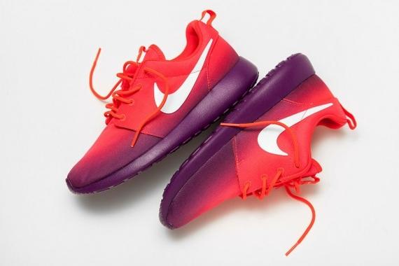 Nike WMNS Roshe Run Print Laser CrimsonBright Grape