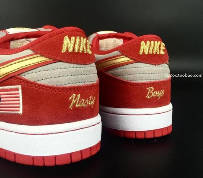 big sale d17e3 ddeb1 A Nike SB Dunk Low for Cincinnati Reds Fans   Sole Collector