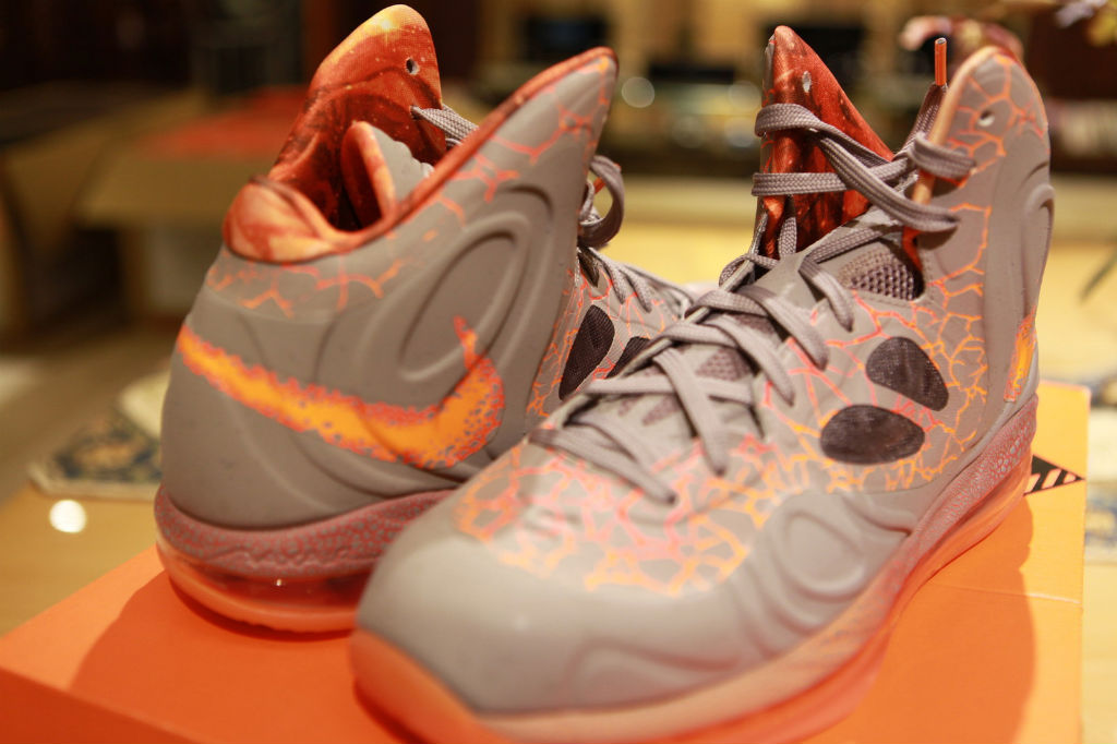 Nike Air Max Hyperposite Area 72 (2)