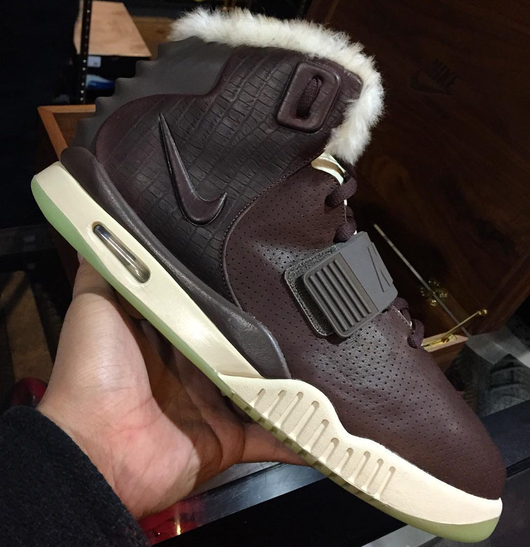 online store f5c4a cf93e Nike Air Yeezy 2 Brown Leather Fur MTV VMA Sample (2)