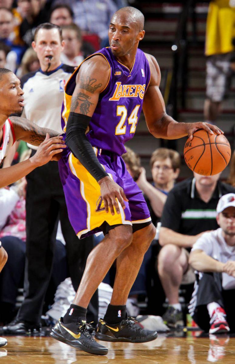new style e6090 5e9c0 NBA Sneaker Watch    Kobe Bryant Debuts Nike Kobe 8 Elite and Drops 47  Points