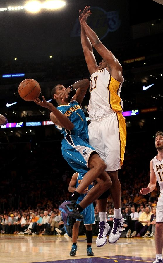 Trevor Ariza wearing the Nike Zoom Hyperfuse Low