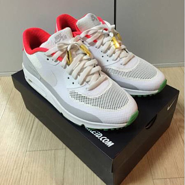 detailed look 09eb5 0d75c NIKEiD Yeezy Spotlight  Air Max 90 Hyperfuse Pure Platinum