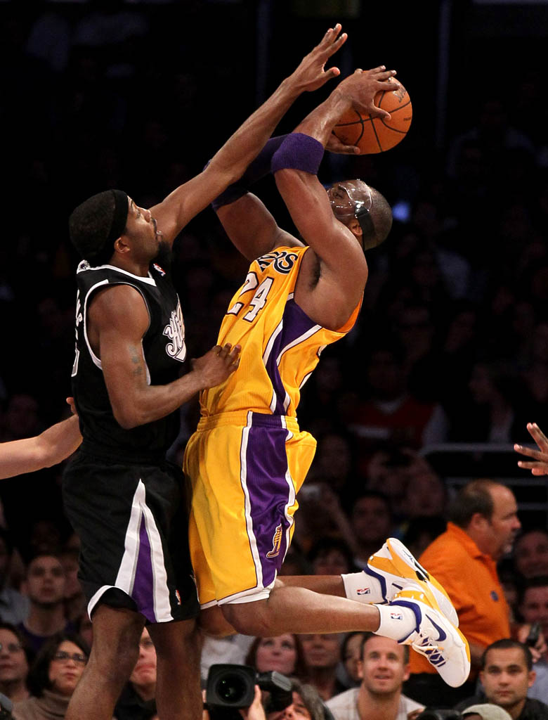 Kobe Bryant wearing Nike Kobe VII 7 Lakers Home (2)