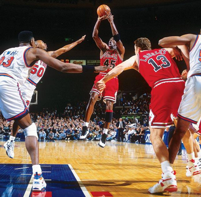 52 Michael Jordan Photos (32)