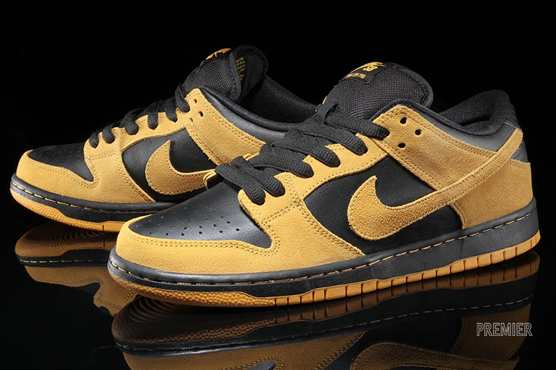 buy popular 5c2ad dffc6 Nike SB Dunk Lows for Iowa Fans. Be true.
