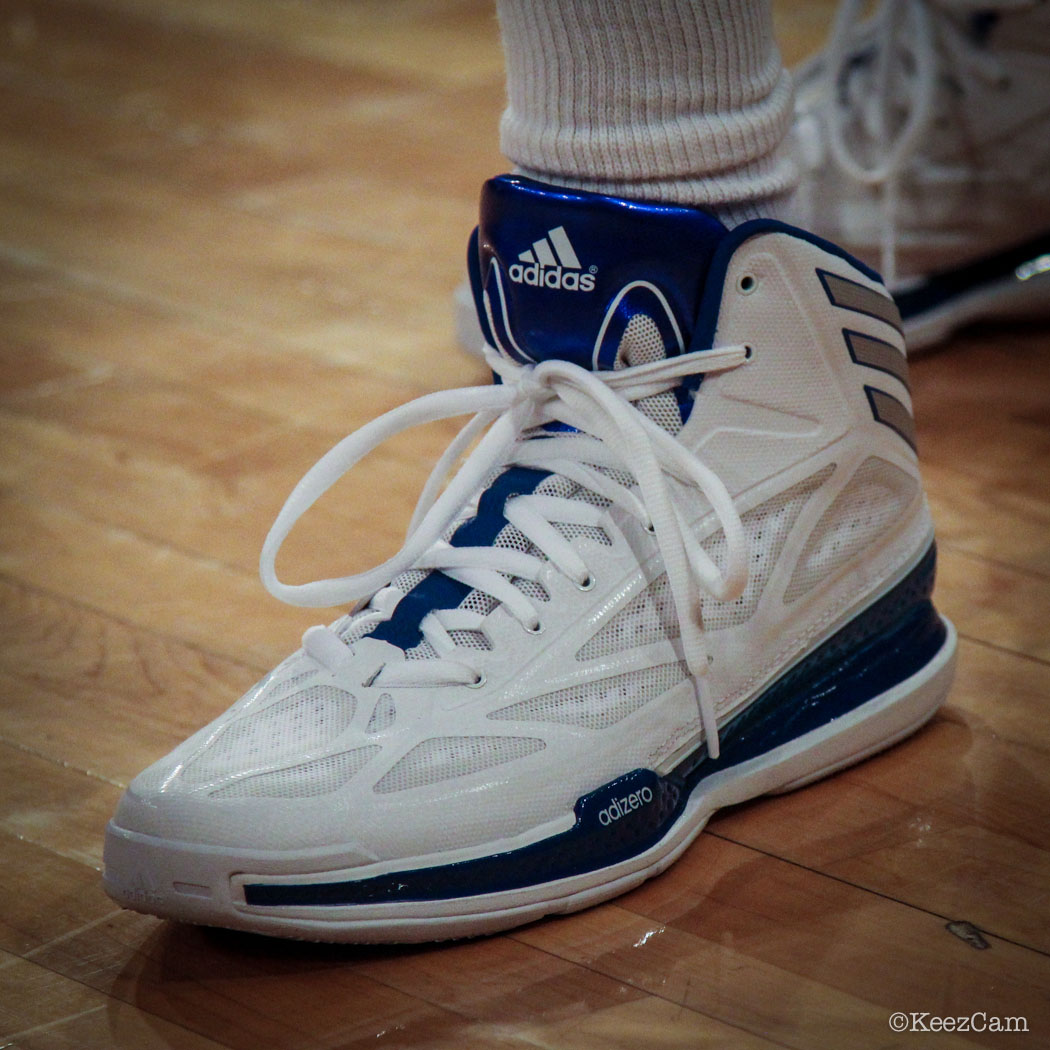Tim Hardaway Jr wearing adidas Crazy Light 3