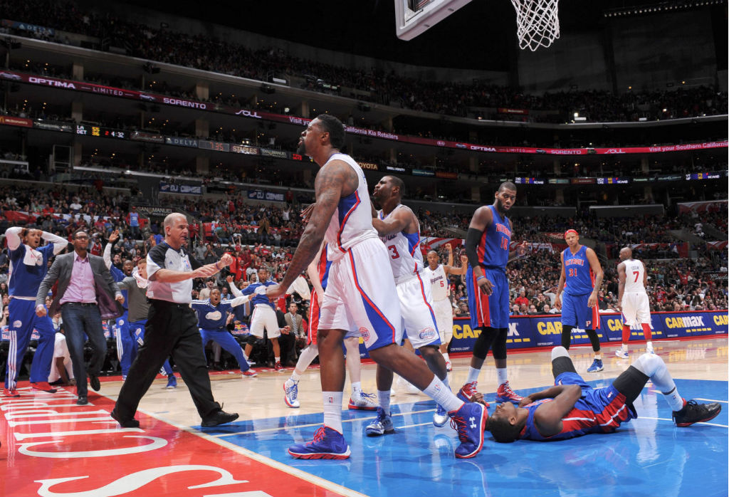 DeAndre Jordan wearing Under Armour Spine Bionic Blue Red (3)