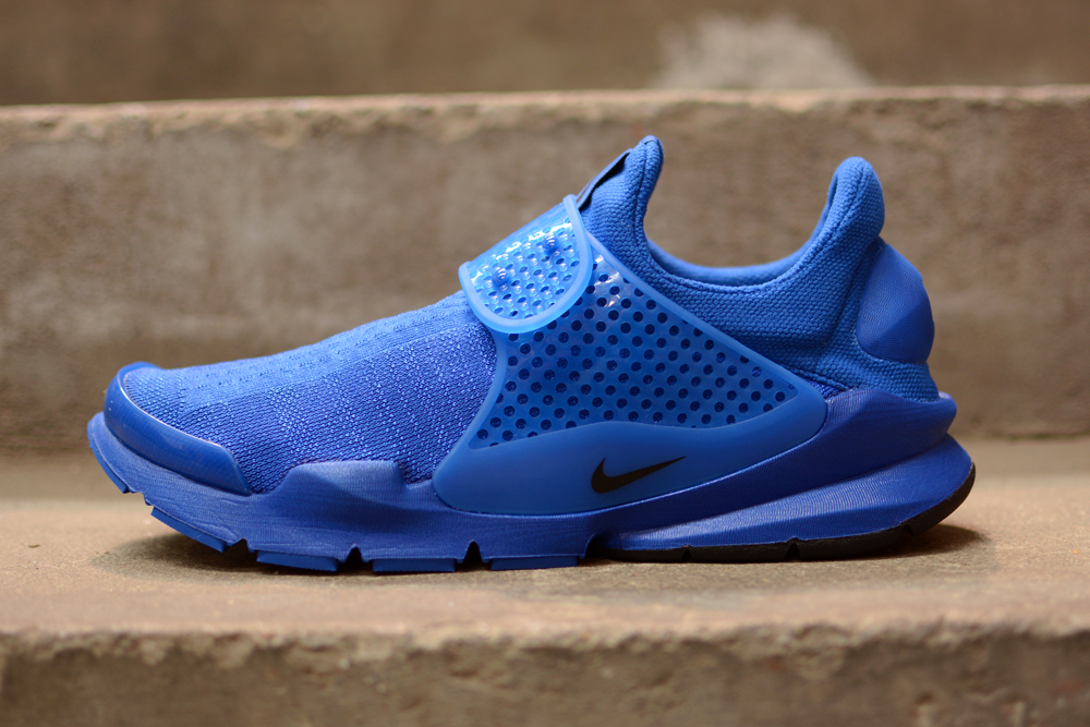 reputable site 97c0a 698df See How Nike s Sock Dart  Independence Day  Pack Looks On-feet   Sole  Collector