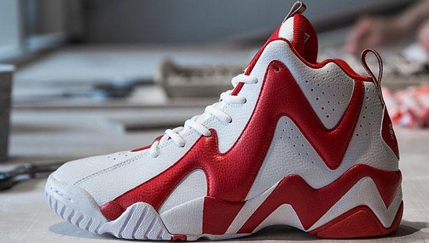 Sneakersnstuff x Reebok Kamikaze 2 Mid Polkagris