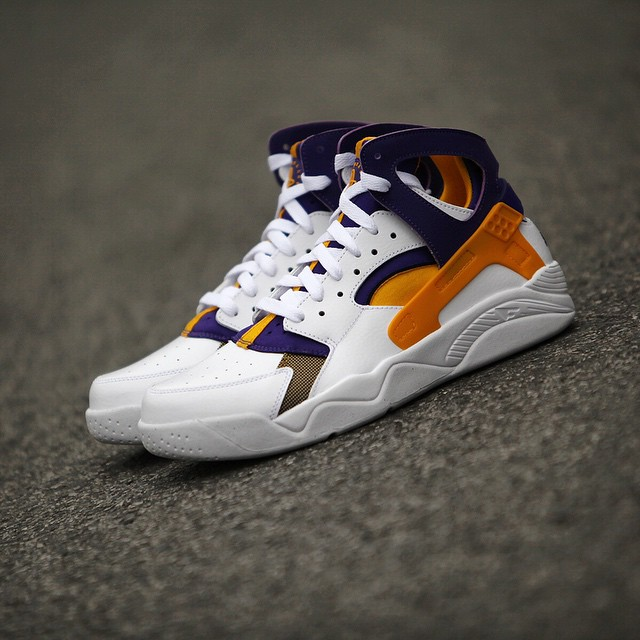 04ea5cb2 ... authentic nike air flight huarache kobe bryant lakers home pe 2 35928  3320d