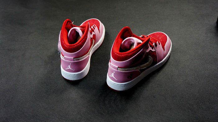 0b8f25a176d Air Jordan Retro I 1 Mid Premium GS Valentine s Day 2013 (8)