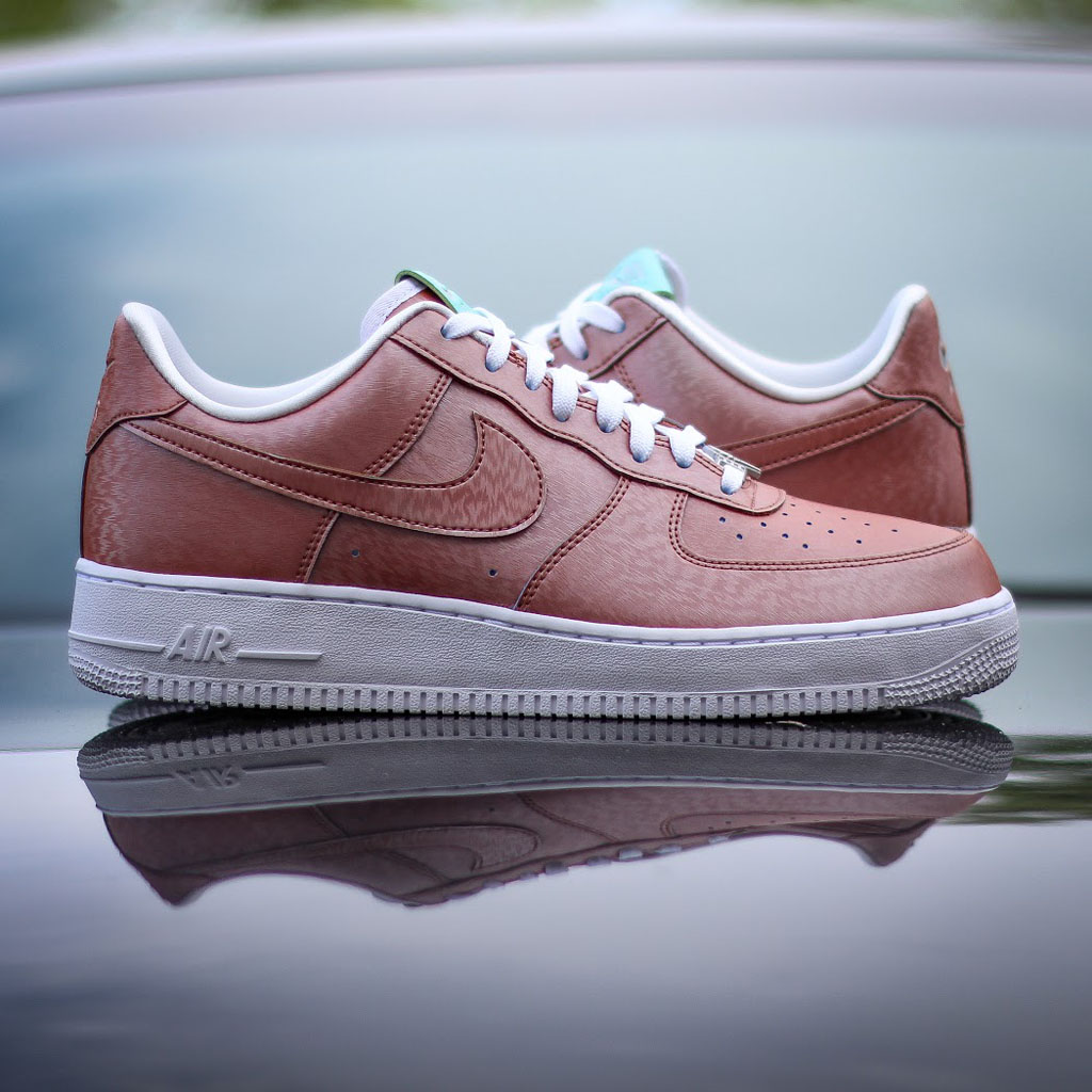 on sale d41d4 a3604 Nike Air Force 1 Low Statue of Liberty (1)