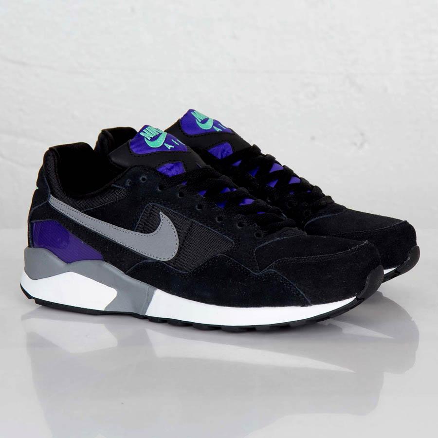 Nike Air Pegasus '92 - Black / Electric