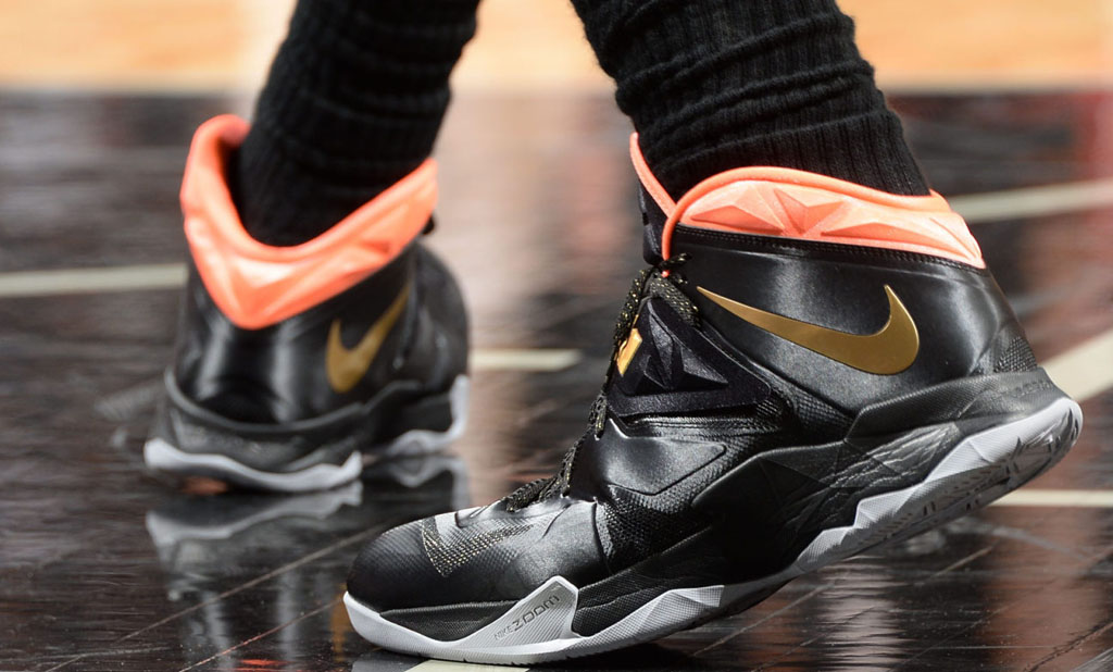 LeBron James wearing Nike Zoom Soldier VII 7