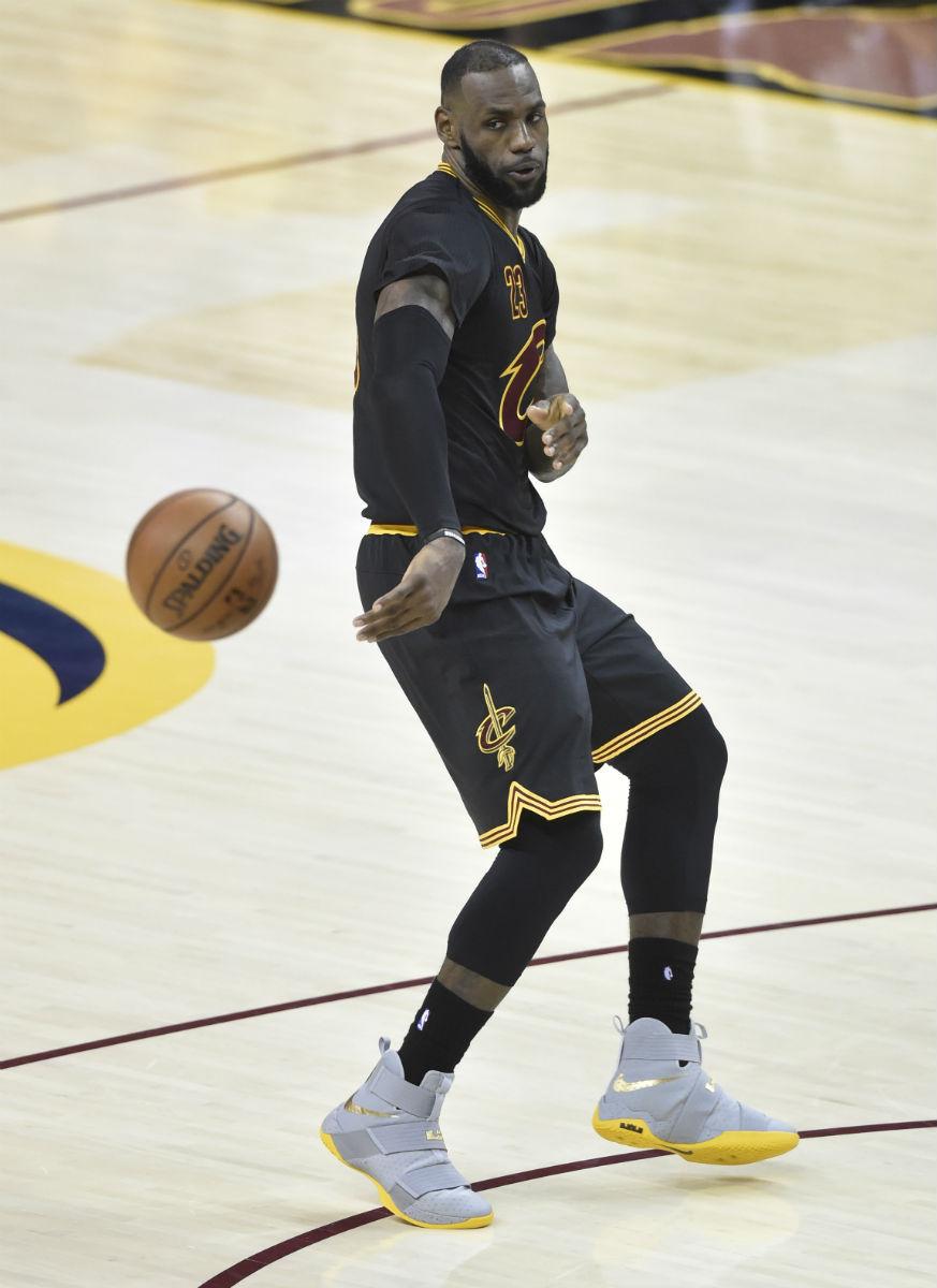LeBron James Nike LeBron Soldier 10 Grey Yellow PE