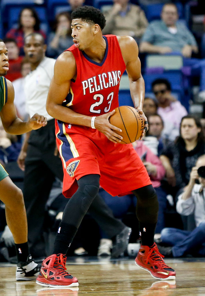 Anthony Davis Wears Alternate Red Nike Air Max Hyperposite 2 PE (2)