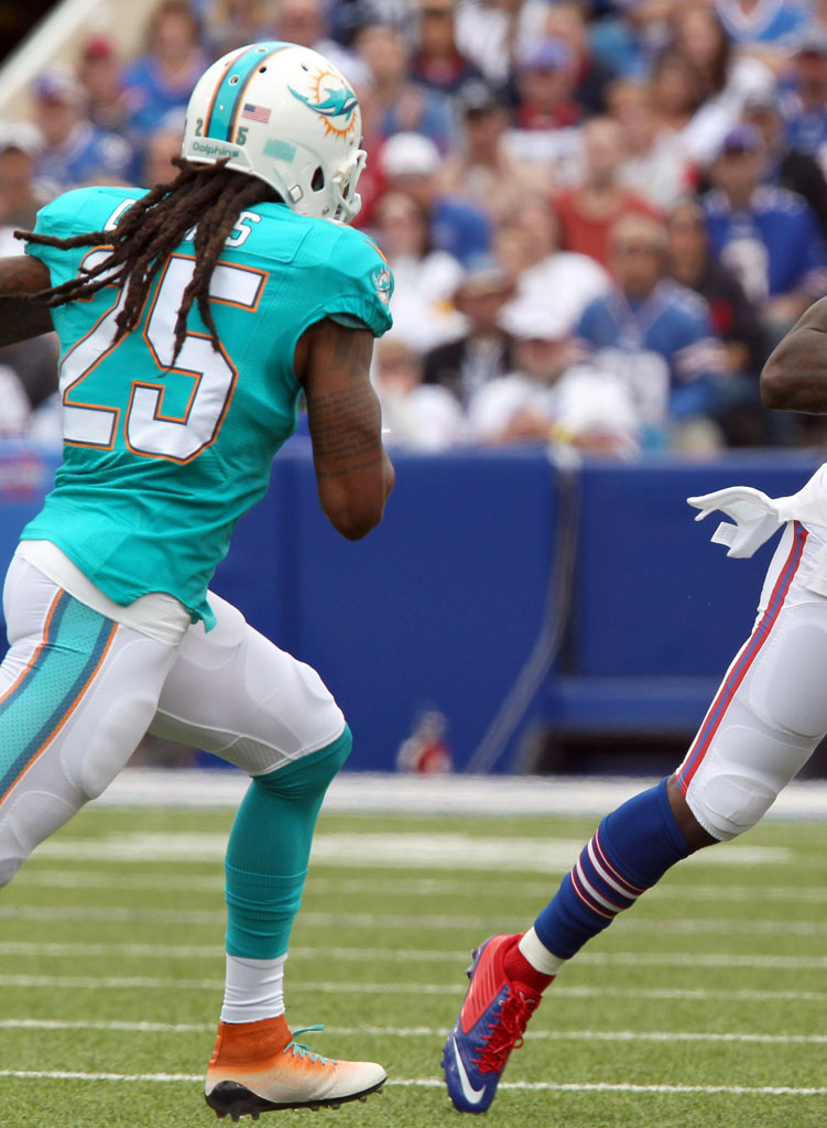 Louis Delmas wearing Nike Magista Dolphins by Soles by Sir (2)