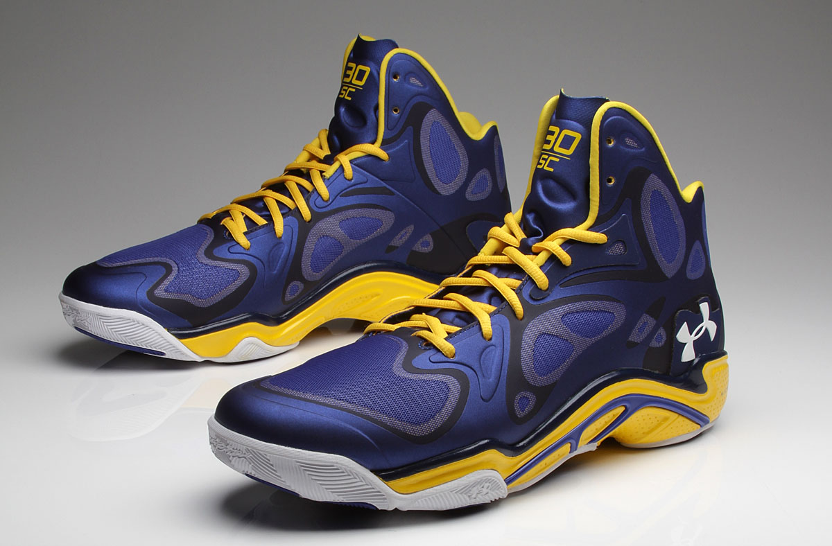 Stephen Curry's Under Armour Anatomix Spawn 'Away' Royal PE // Close-Up (1)