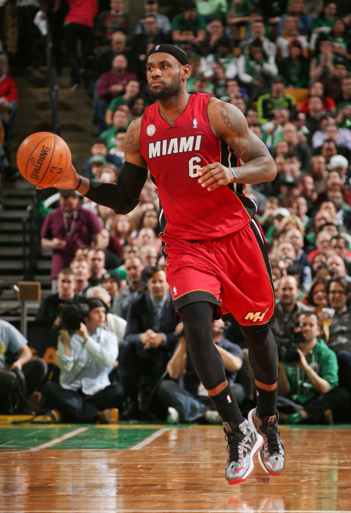 LeBron James Knights Jason Terry In Nike LeBron X PE (7)